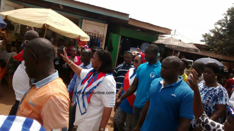 Photos: Wannabe First-Lady 'Storms' Ashaiman