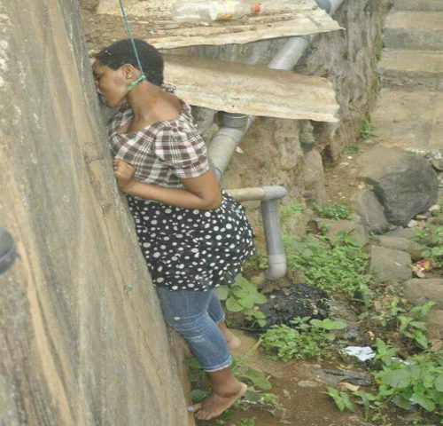 Photos: Lady Hang Herself to Death