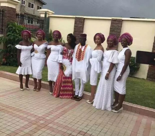Stonebwoy marries a dentist in a private marriage ceremony (Photos)