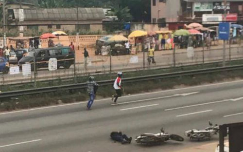 Robbery: Armed Men Shoot Two Police Officers, Snatch Car In Lapaz (Photos)