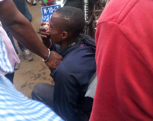 Man, 25, Manhandled For Theft (Photo)