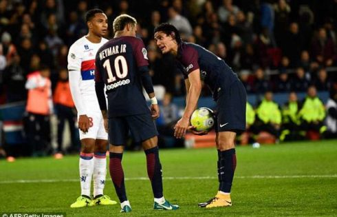 Cavani rejects €1m from PSG to let Neymar take penalties