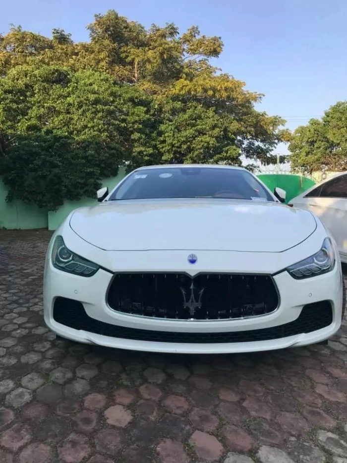 Shatta Wale Surprises  Lucky Winner With A Maserati  - ashaimanonline.com