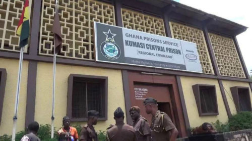Visitors pay GHc2 to see prisoners