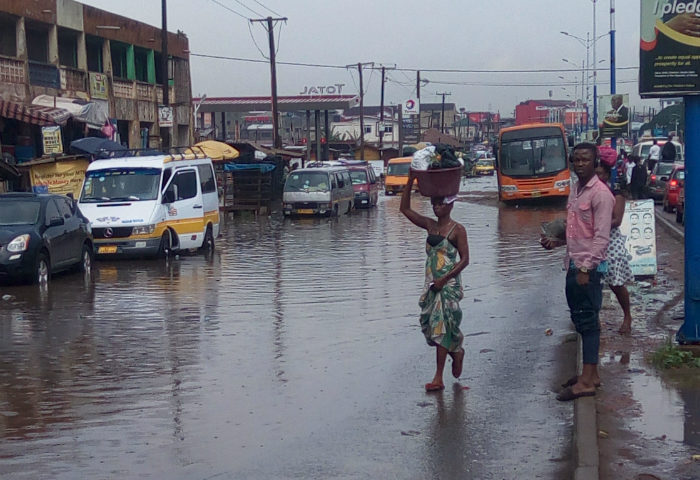 20 Minutes 'Violent' RainFall Floods Ashaiman (Videos)